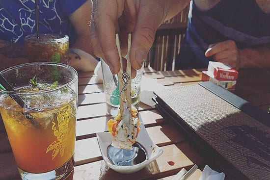 how-grips-eat-sushi